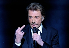 Johnny-Hallyday-gay.jpg